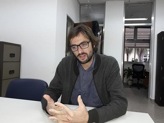 El doctor Alejandro Perez brindó una conferencia en la UNNE sobre Agujeros Negros
