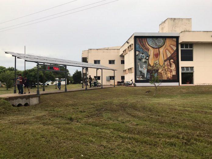 La pérgola solar fotovoltaica se encuentra en el Campus Deodoro Roca.