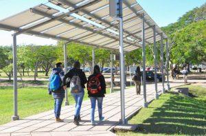 La pérgola solar ubicada en el Campus Deodoro Roca de la UNNE