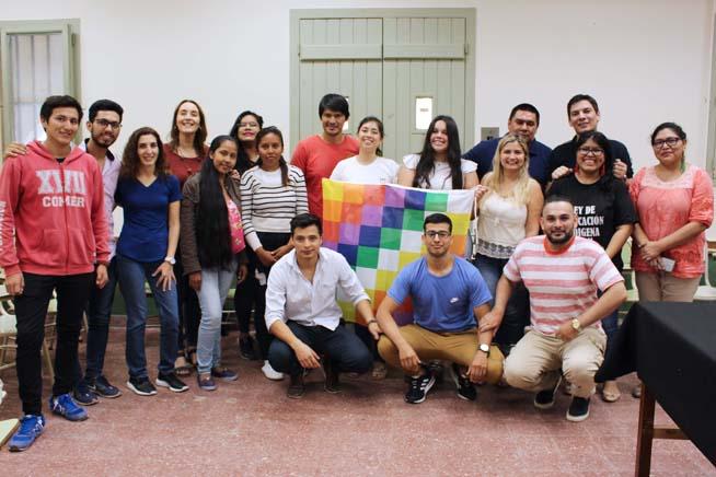 Una investigación sobre las experiencias de ingreso y permanencia de estudiantes indígenas en la UNNE.