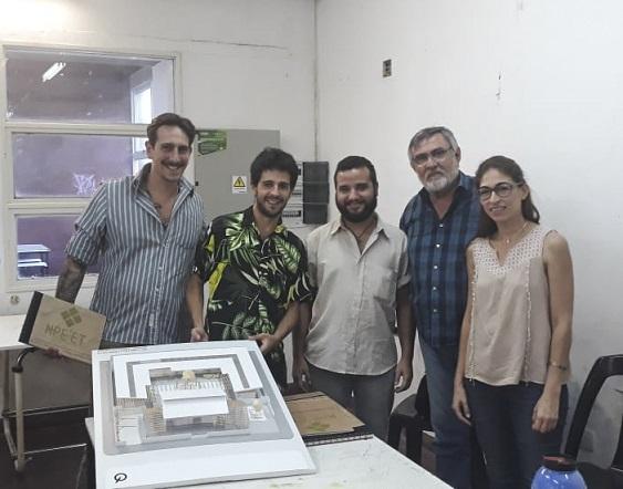 Estudiantes de Arquitectura que diseñaron una vivienda social para una comunidad Qom