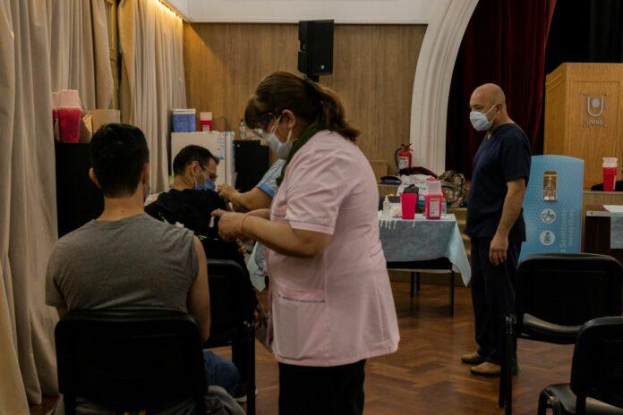 La posta de vacunación funciona en el Campus Resistencia de la UNNE