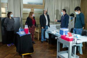 Tras el encuentro, el ministro de la Nación visitó también el Aula Magna del Campus Resistencia de la UNNE, donde funciona la posta de vacunación contra el Covid.